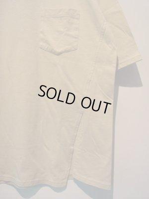 画像1: UNUSED(アンユーズド) ワンサイドスリットTシャツ ベージュ
