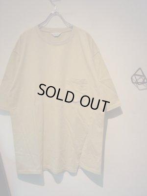 画像2: UNUSED(アンユーズド) ワンサイドスリットTシャツ ベージュ